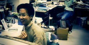 Hideo Kojima dans les locaux de Konami, en 1994